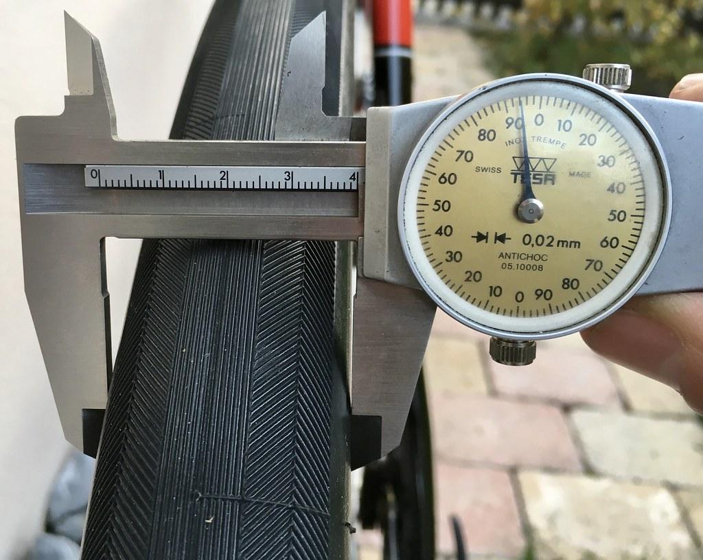 Compass Barlow Pass 700Cx38