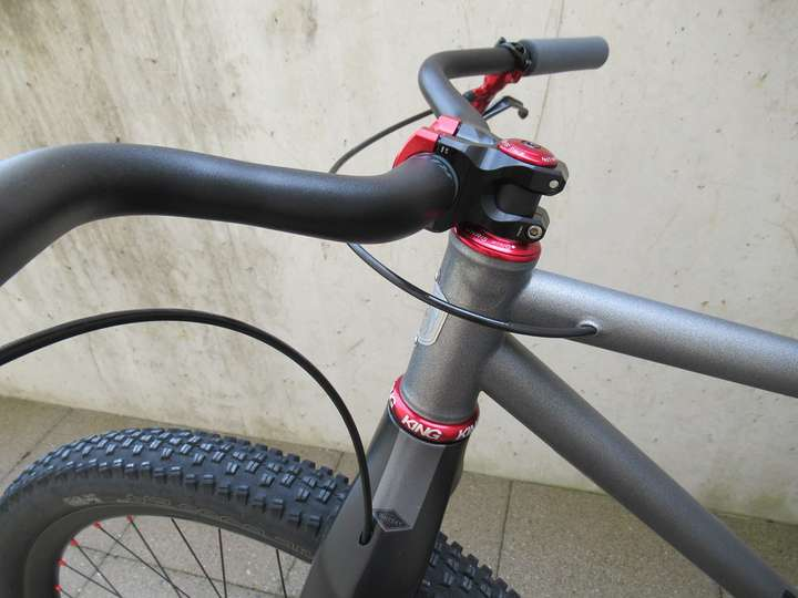 Ritchey Comp Kyote bar and Industry 9 A318 stem.