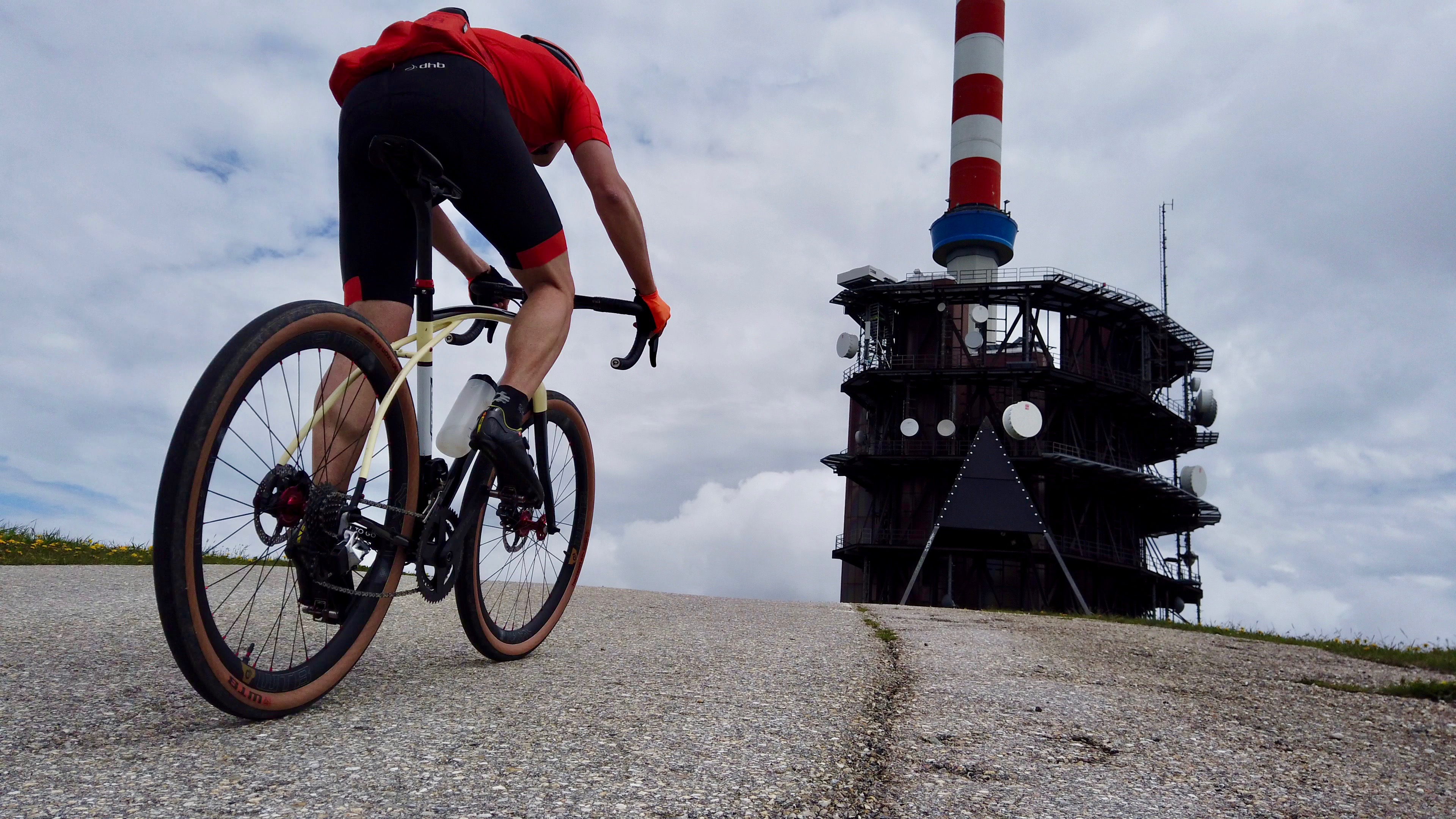 Reaching the Chasseral on my Volagi Viaje SL.