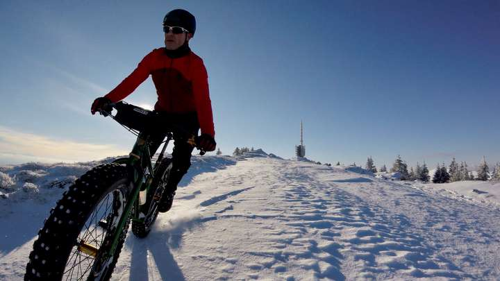 Hitting the Chasseral crest trail.
