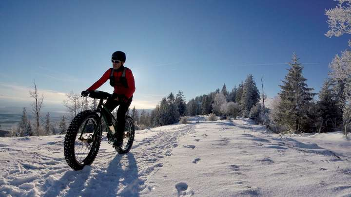 The crest and its winter snowshoe trail.